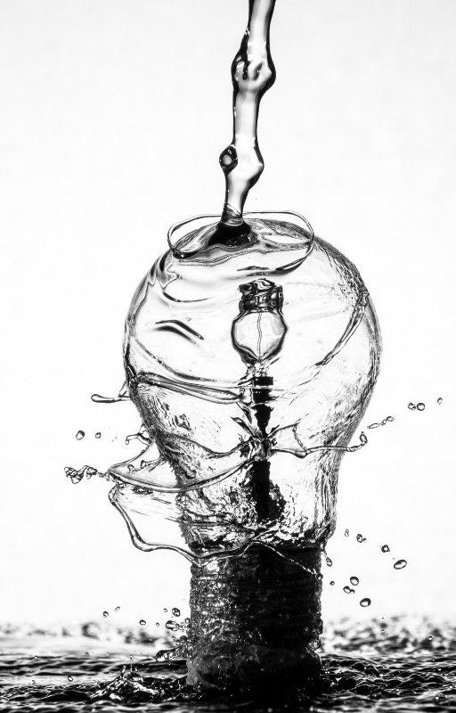 illustration showing water being poured over a bulb